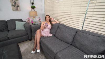 PervMom – Melanie Hicks Stepmom Helps With My Erections XXX REPACK 1080p MP4-WRB[]